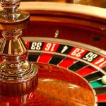 厚生労働省「カジノ作るけど日本人はギャンブルにハマりやすいから利用は禁止です」